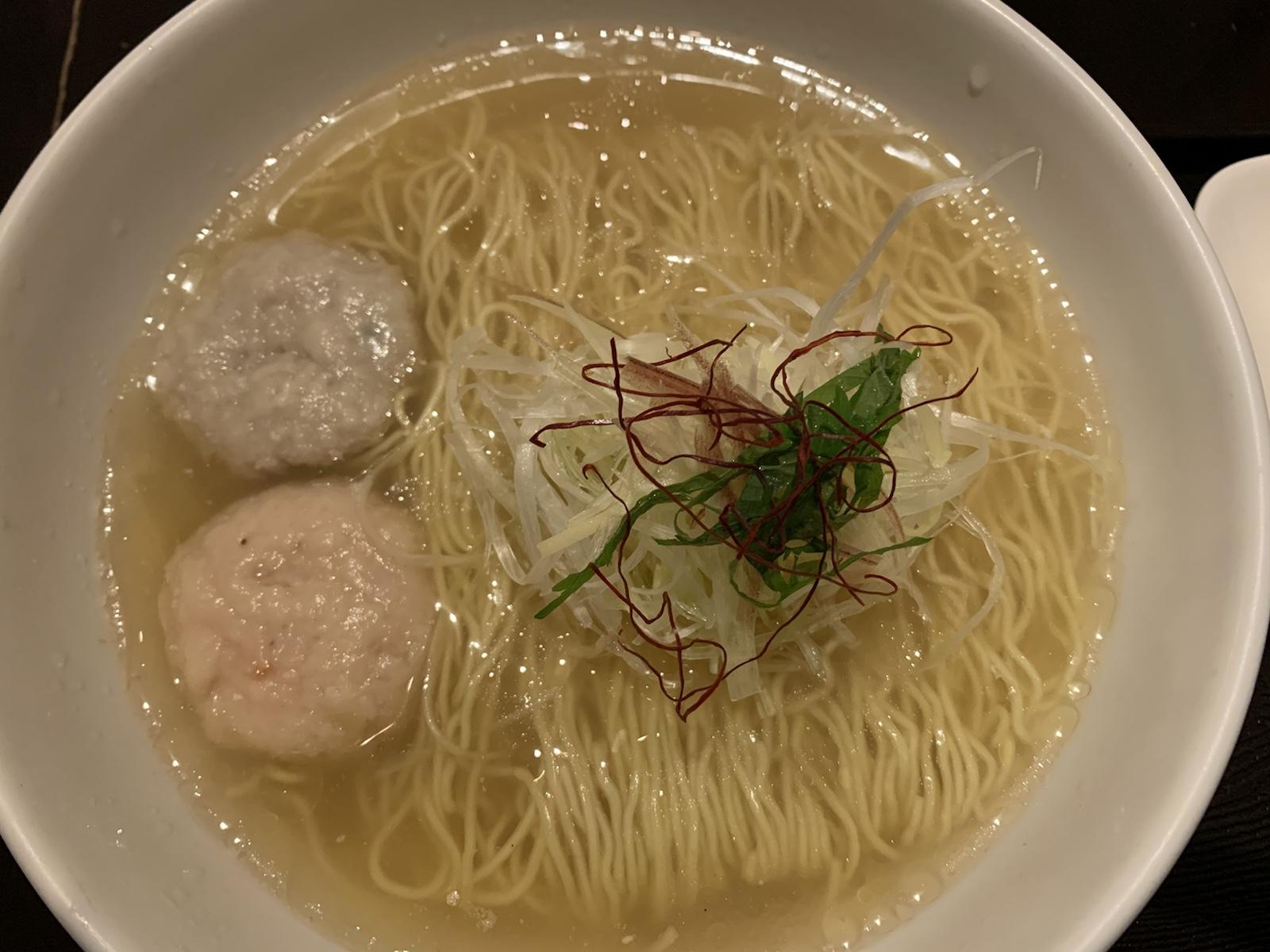 麺屋海神 塩らぁめん 魚介スープ